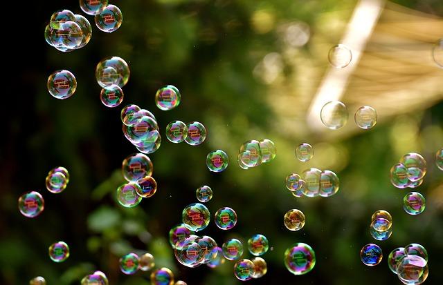soap-bubbles-2882599_640